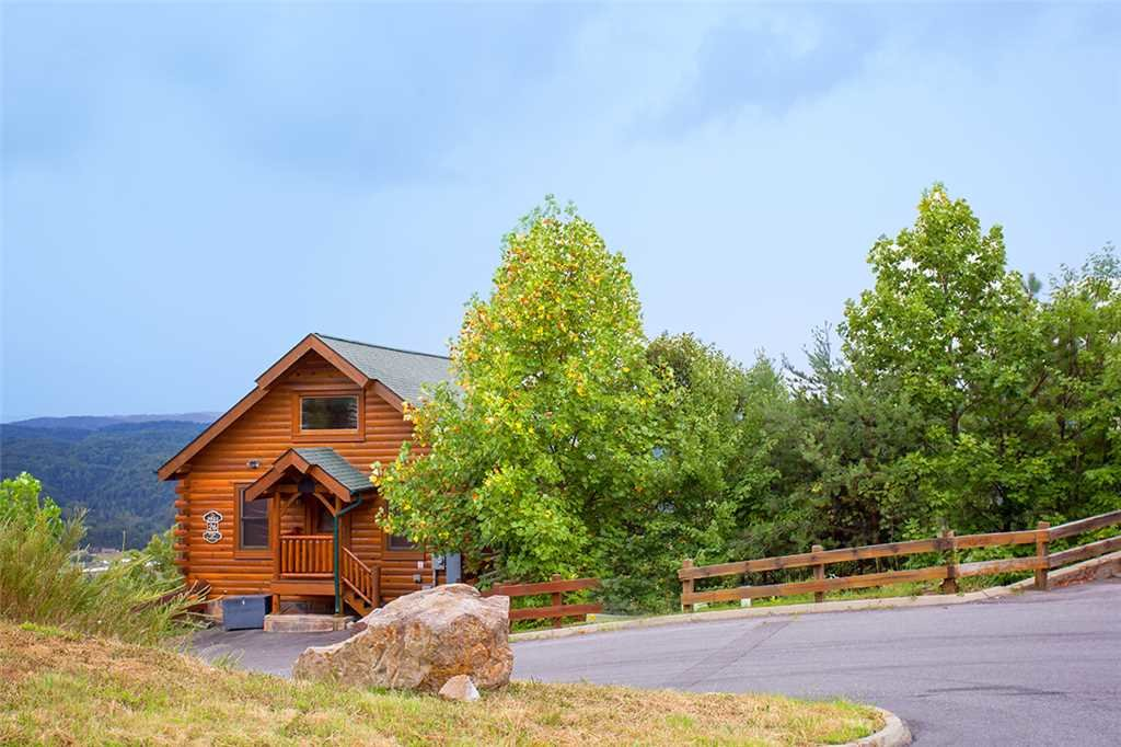 Photo of a Pigeon Forge Cabin named Edge Of Forever - This is the seventeenth photo in the set.
