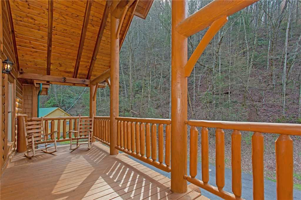 Photo of a Gatlinburg Cabin named Caney Creek Lodge - This is the thirty-third photo in the set.