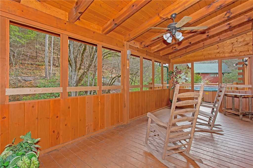 Photo of a Gatlinburg Cabin named Caney Creek Lodge - This is the thirty-second photo in the set.