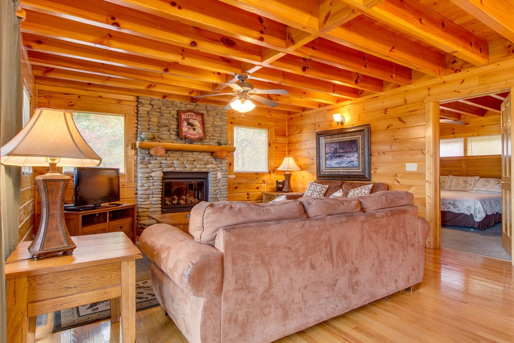 Photo of a Pigeon Forge Cabin named Mountain Dream At Starr Crest - This is the second photo in the set.