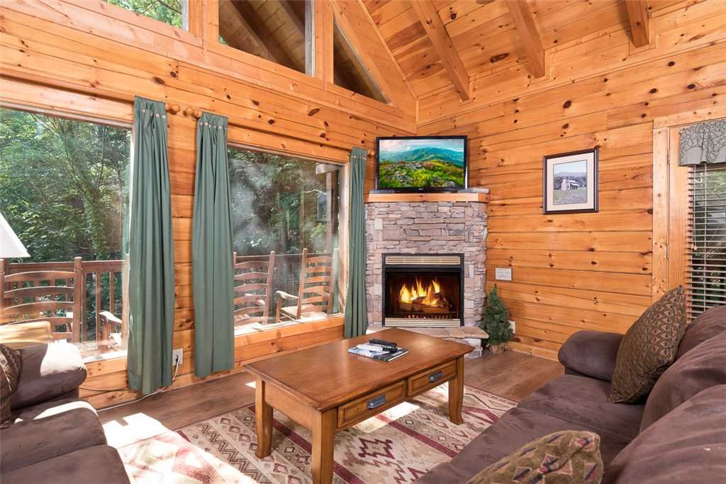 Photo of a Pigeon Forge Cabin named Blackberry Cobbler - This is the first photo in the set.