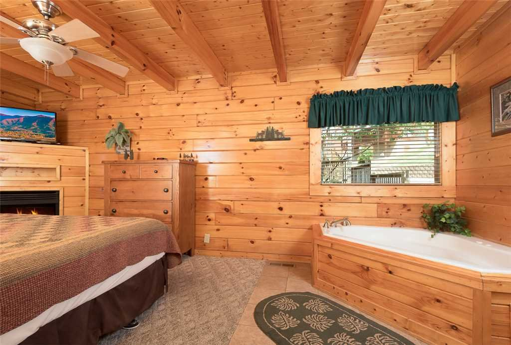 Photo of a Pigeon Forge Cabin named Blackberry Cobbler - This is the ninth photo in the set.