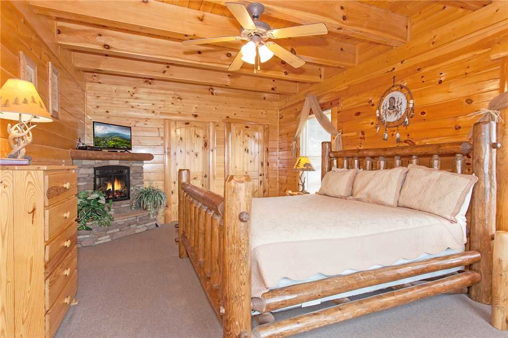 Photo of a Pigeon Forge Cabin named Big Timber Lodge - This is the eighteenth photo in the set.