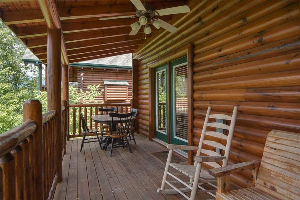 Photo of a Pigeon Forge Cabin named Grand Pinnacle Vista - This is the nineteenth photo in the set.