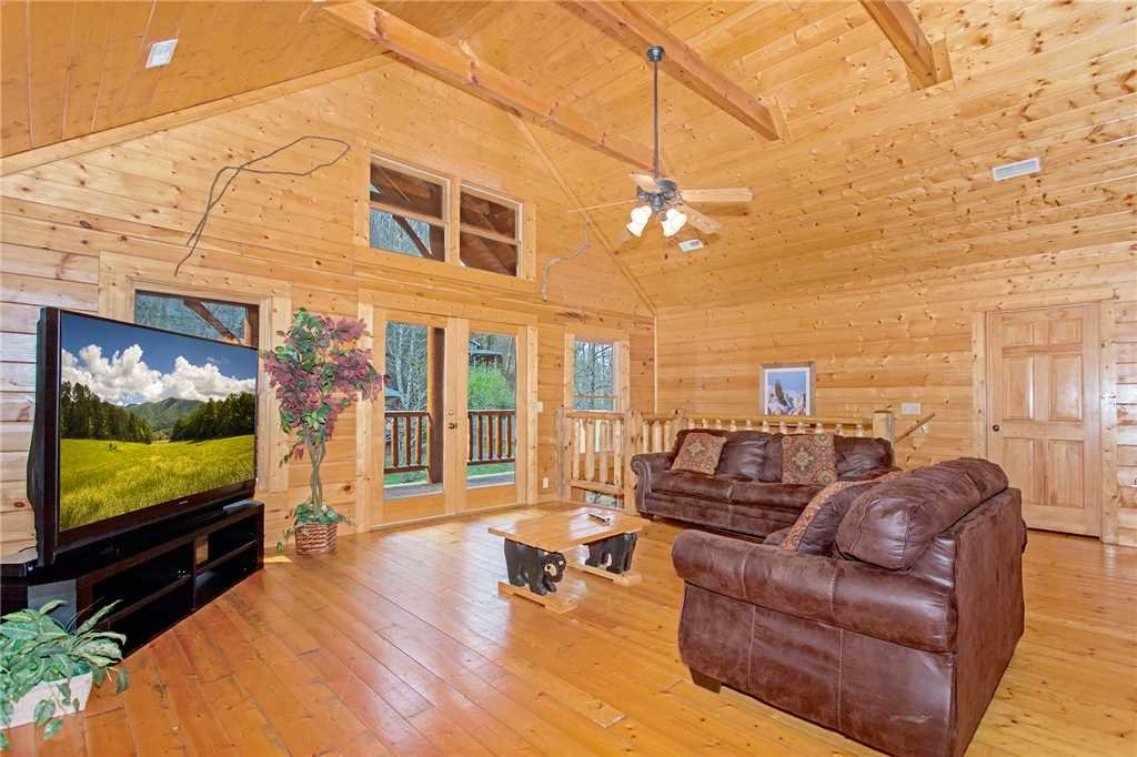 Photo of a Pigeon Forge Cabin named Caney Creek Lodge - This is the ninth photo in the set.