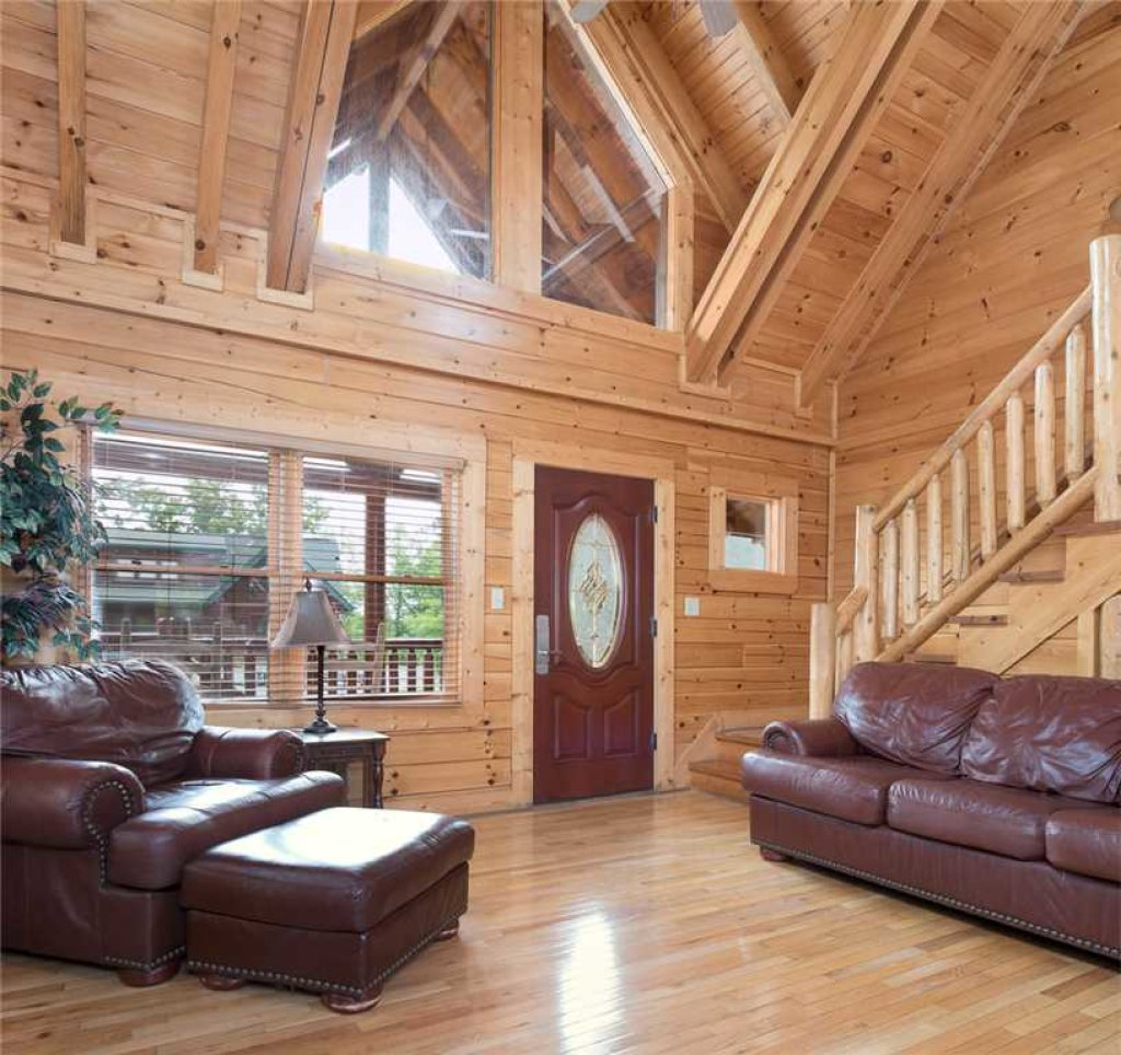 Photo of a Pigeon Forge Cabin named Grand Pinnacle Vista - This is the second photo in the set.