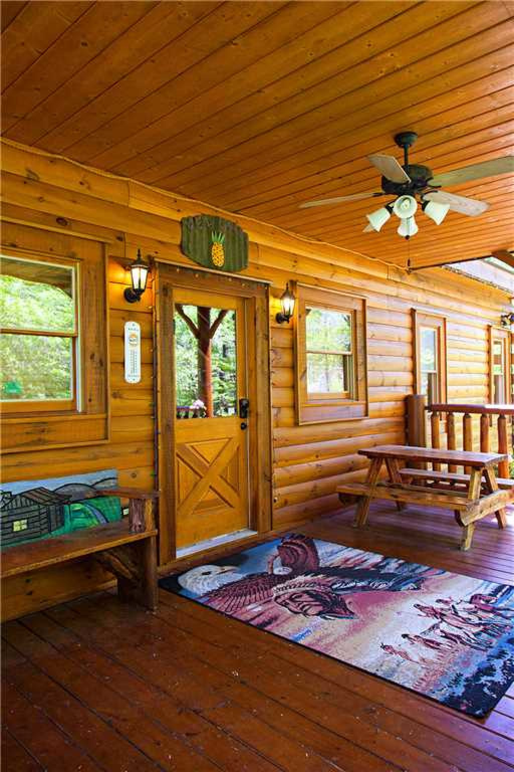 Photo of a Gatlinburg Cabin named Bear Family - This is the twenty-second photo in the set.