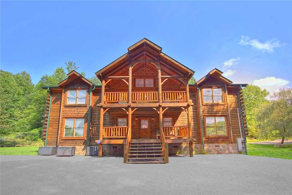 Photo of a Gatlinburg Cabin named Caney Creek Lodge - This is the forty-second photo in the set.