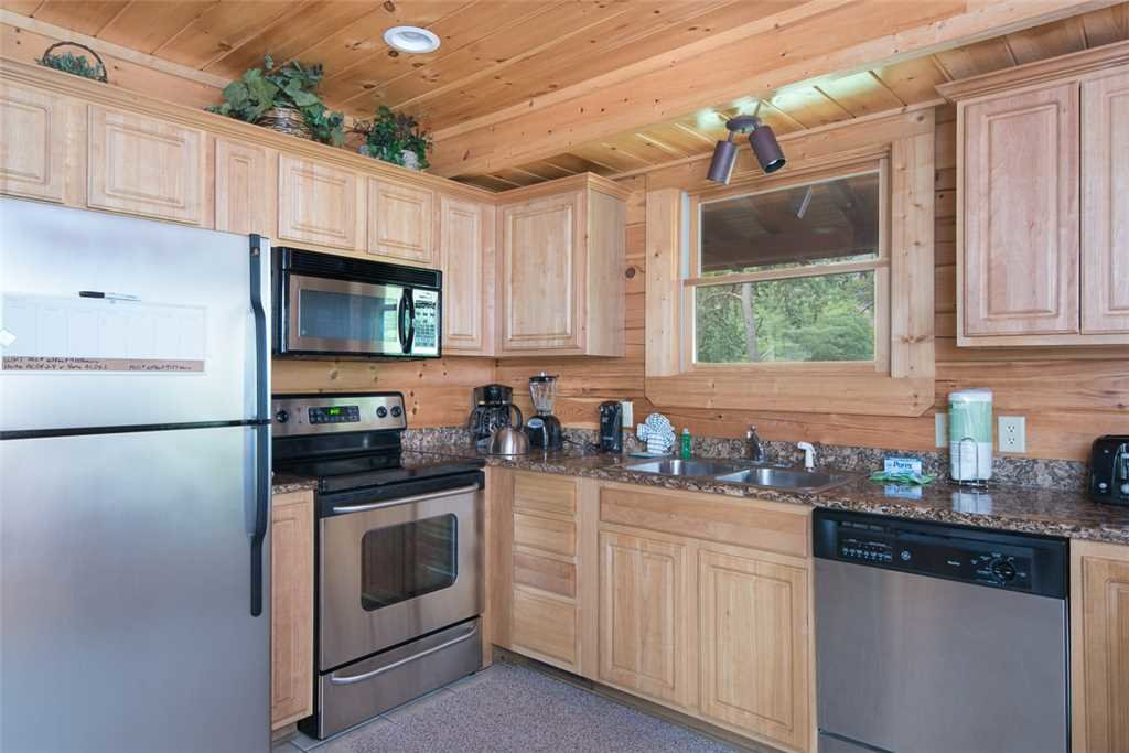 Photo of a Pigeon Forge Cabin named Grand Pinnacle Vista - This is the fifth photo in the set.