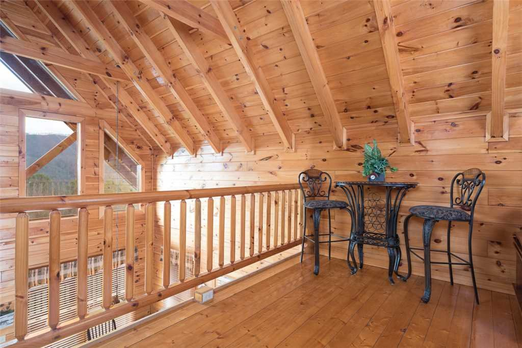 Photo of a Pigeon Forge Cabin named Lance's Loft - This is the eighth photo in the set.