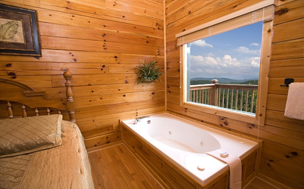 Photo of a Pigeon Forge Cabin named Moonlight Retreat - This is the eighth photo in the set.