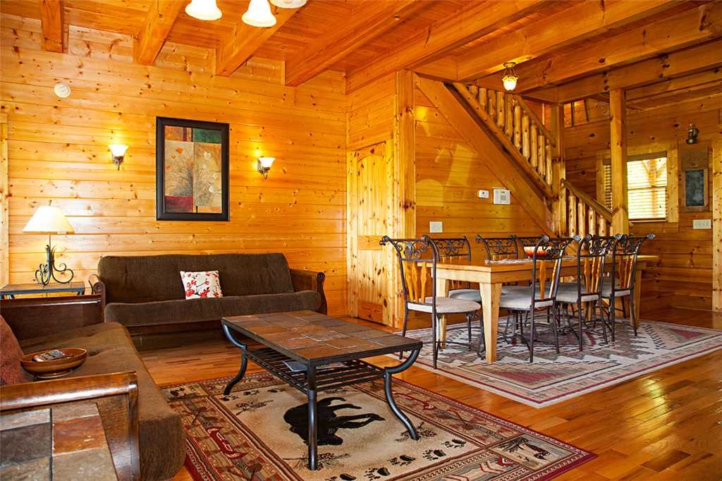 Photo of a Gatlinburg Cabin named Bear Family - This is the second photo in the set.