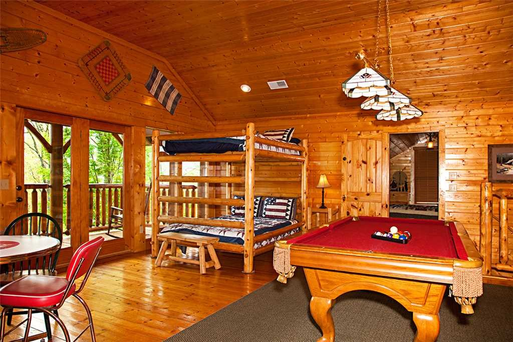 Photo of a Gatlinburg Cabin named Bear Family - This is the ninth photo in the set.