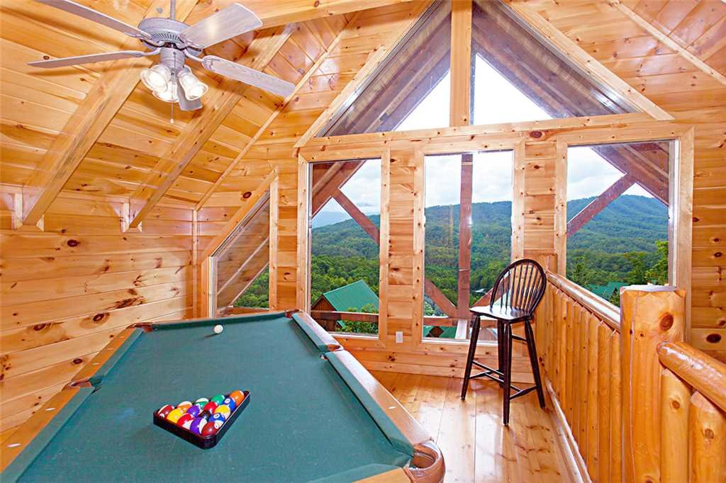 Photo of a Pigeon Forge Cabin named A Lover's Lookout - This is the ninth photo in the set.