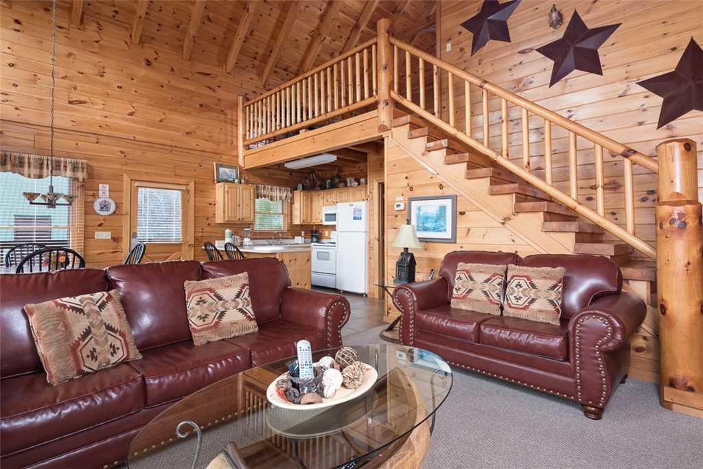 Photo of a Pigeon Forge Cabin named Lance's Loft - This is the fourth photo in the set.