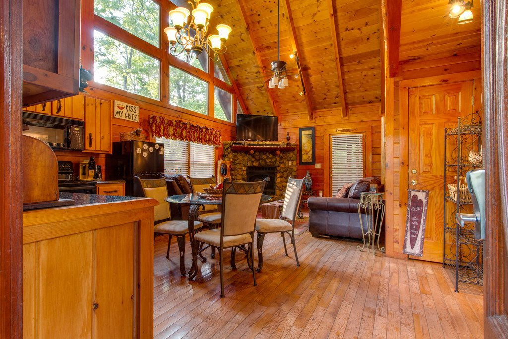 Photo of a Gatlinburg Cabin named Woodland Rose - This is the third photo in the set.