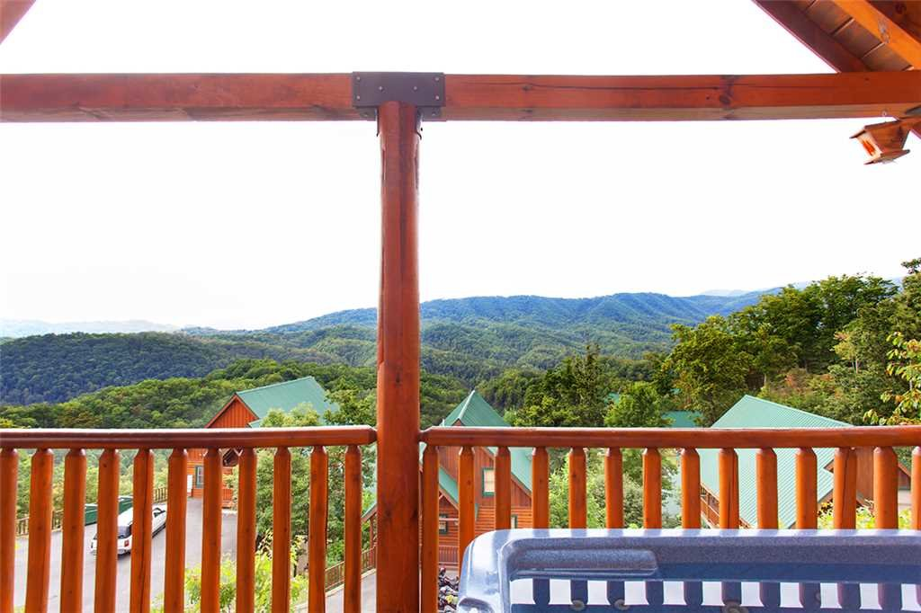 Photo of a Pigeon Forge Cabin named A Lover's Lookout - This is the eighteenth photo in the set.