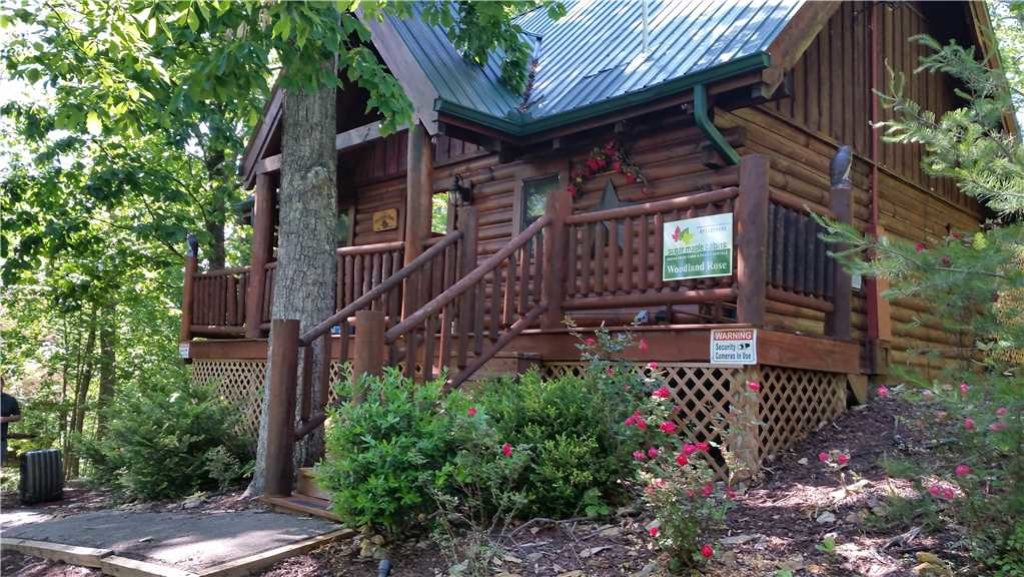 Photo of a Gatlinburg Cabin named Woodland Rose - This is the sixteenth photo in the set.