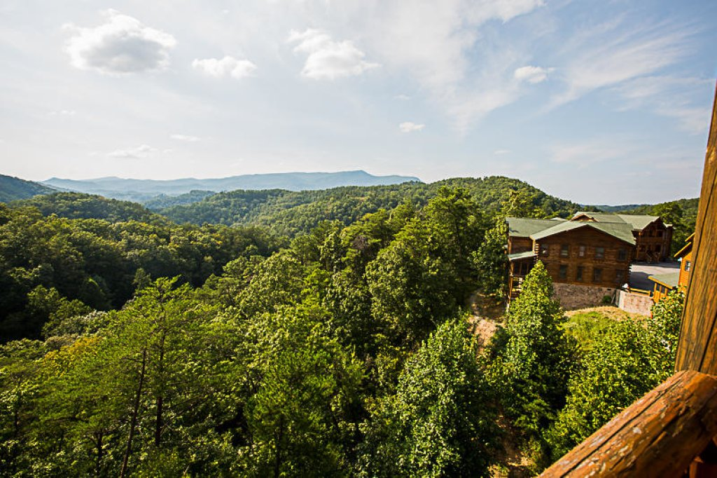 Photo of a Pigeon Forge Cabin named Mountain Majesty At Black Bear Ridge - This is the seventeenth photo in the set.