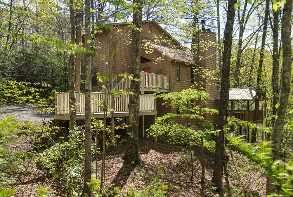 Photo of a Gatlinburg Cabin named Woodland Hideaway - This is the first photo in the set.