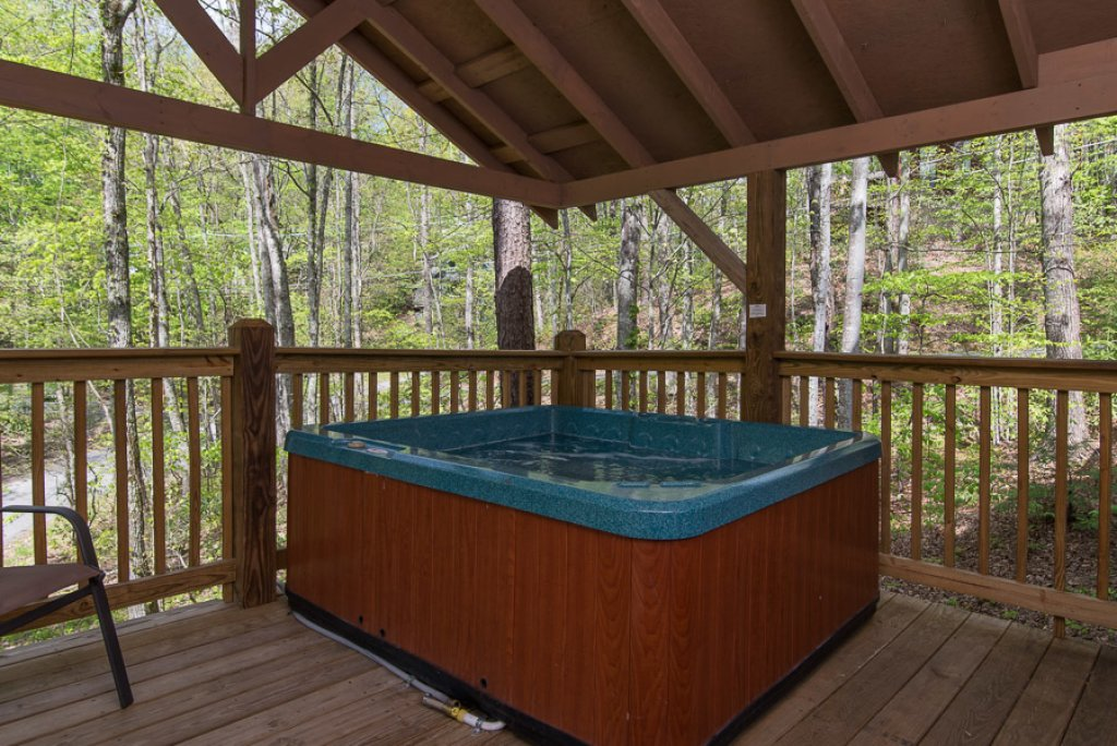 Photo of a Gatlinburg Cabin named Woodland Hideaway - This is the fifteenth photo in the set.