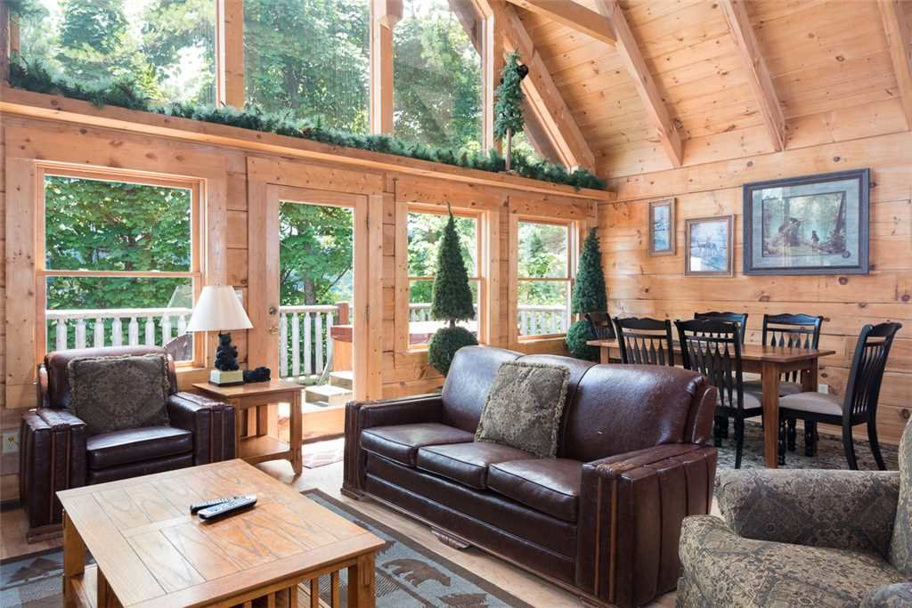 Photo of a Gatlinburg Cabin named Ski Mountain View - This is the third photo in the set.