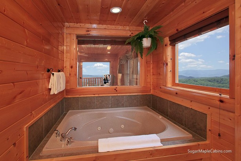 Photo of a Pigeon Forge Cabin named Big Sky - This is the thirteenth photo in the set.