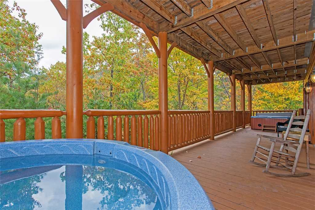 Photo of a Pigeon Forge Cabin named Black Bear Manor - This is the forty-first photo in the set.