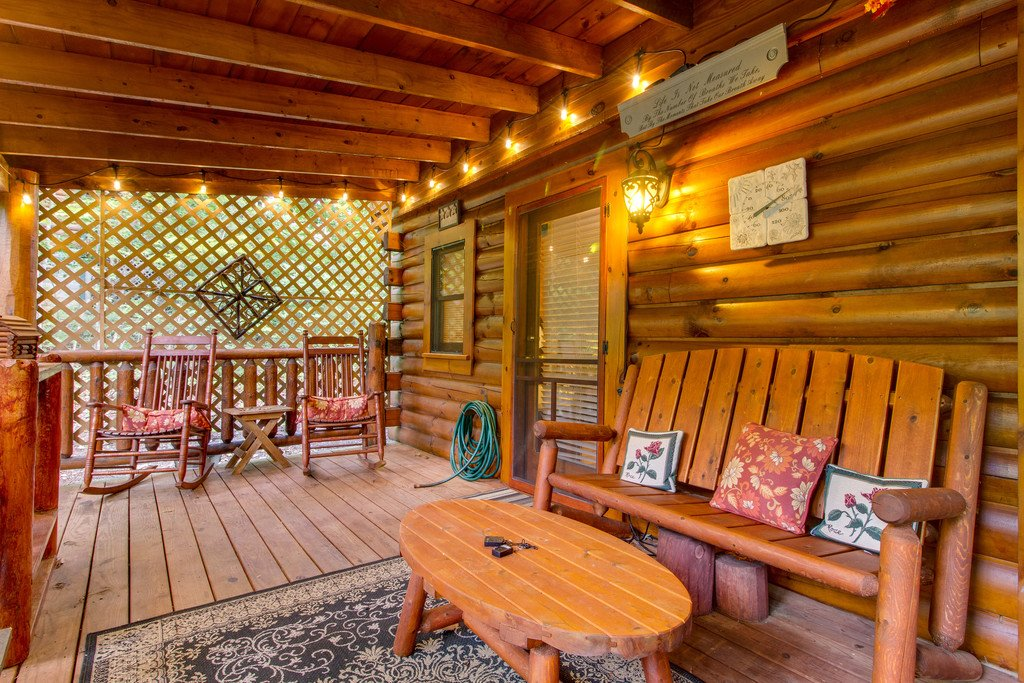 Photo of a Gatlinburg Cabin named Woodland Rose - This is the nineteenth photo in the set.