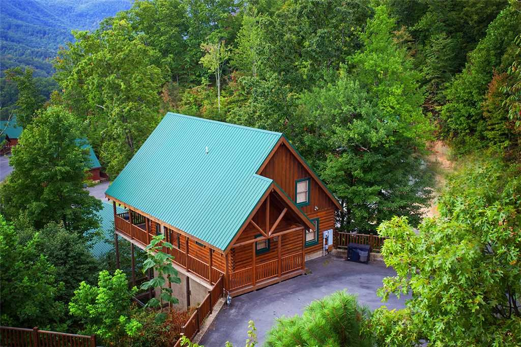 Photo of a Pigeon Forge Cabin named Mountain Dreams At Sherwood Forest - This is the first photo in the set.