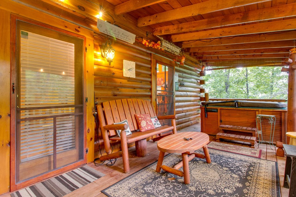 Photo of a Gatlinburg Cabin named Woodland Rose - This is the eighteenth photo in the set.