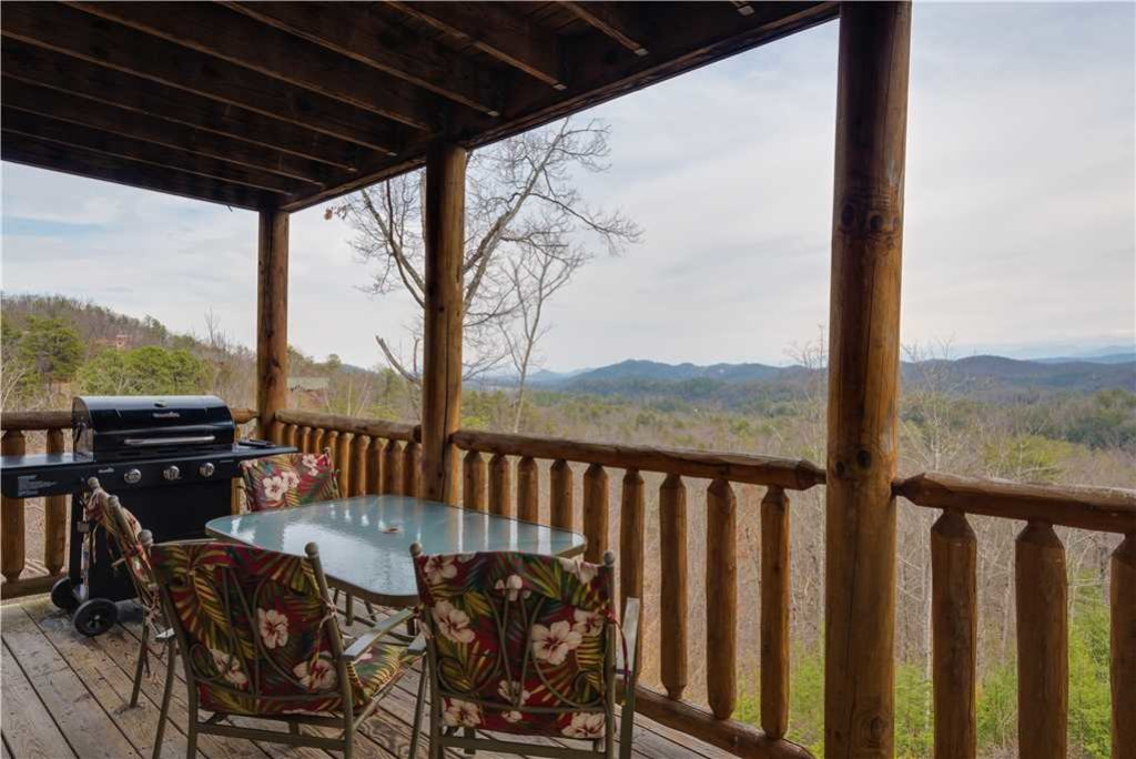 Photo of a Pigeon Forge Cabin named Beyond Expectations - This is the twentieth photo in the set.