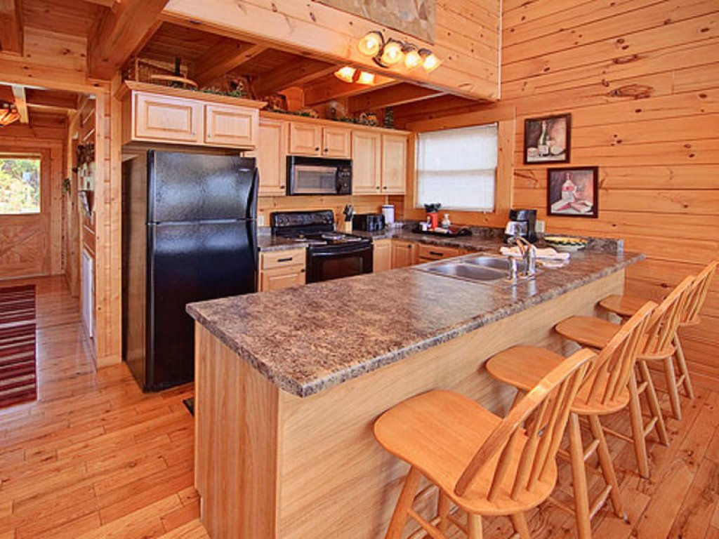 Photo of a Pigeon Forge Cabin named Mountain Majesty At Black Bear Ridge - This is the fourth photo in the set.