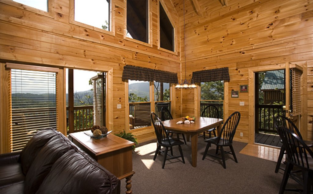 Photo of a Pigeon Forge Cabin named Blue Ridge Sunrise - This is the third photo in the set.
