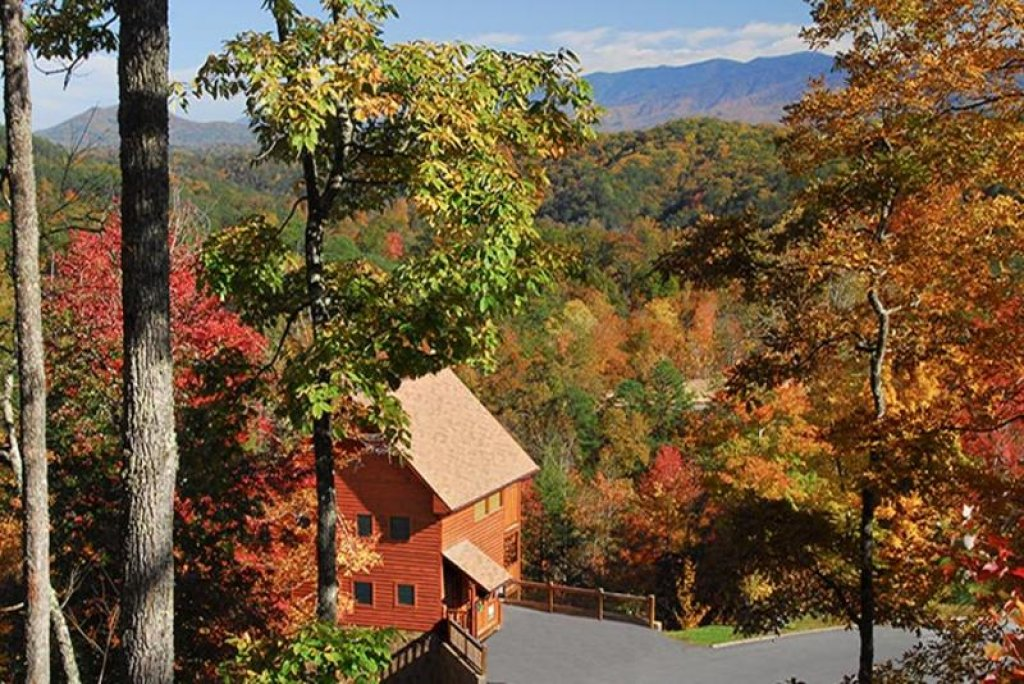 Photo of a Pigeon Forge Cabin named Always And Forever - This is the first photo in the set.
