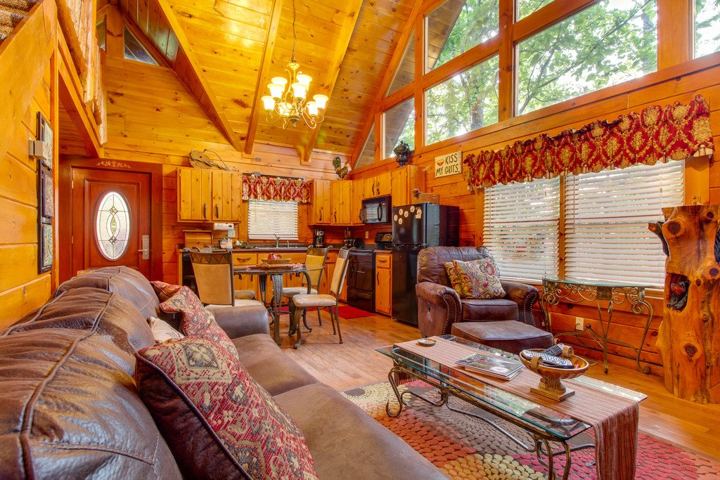 Photo of a Gatlinburg Cabin named Woodland Rose - This is the first photo in the set.