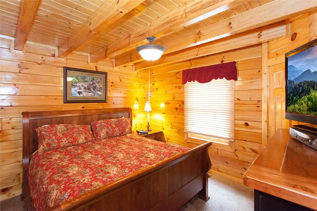 Photo of a Pigeon Forge Cabin named Mountain Dreams At Sherwood Forest - This is the eighth photo in the set.