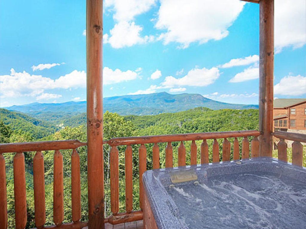 Photo of a Pigeon Forge Cabin named Mountain Majesty At Black Bear Ridge - This is the fifteenth photo in the set.