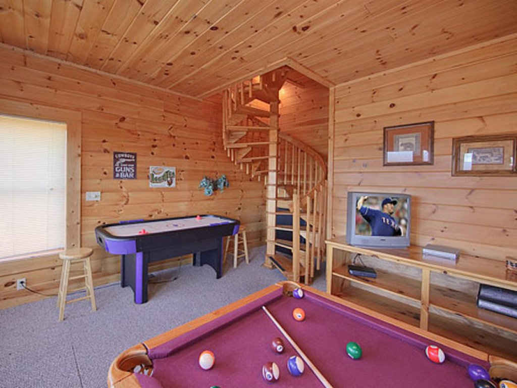 Photo of a Pigeon Forge Cabin named Mountain Majesty At Black Bear Ridge - This is the eleventh photo in the set.