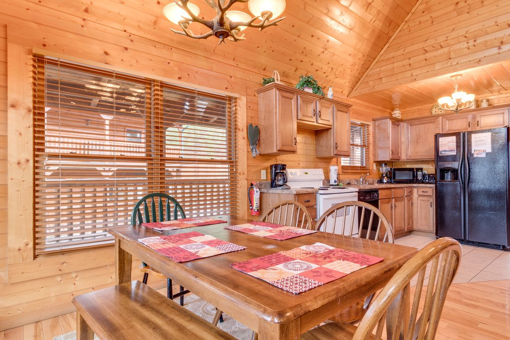 Photo of a Gatlinburg Cabin named Star Gazer At Hemlock Hills - This is the thirteenth photo in the set.