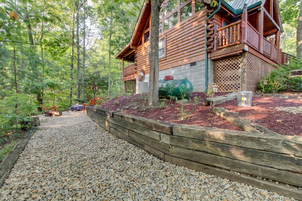 Photo of a Gatlinburg Cabin named Woodland Rose - This is the twenty-seventh photo in the set.