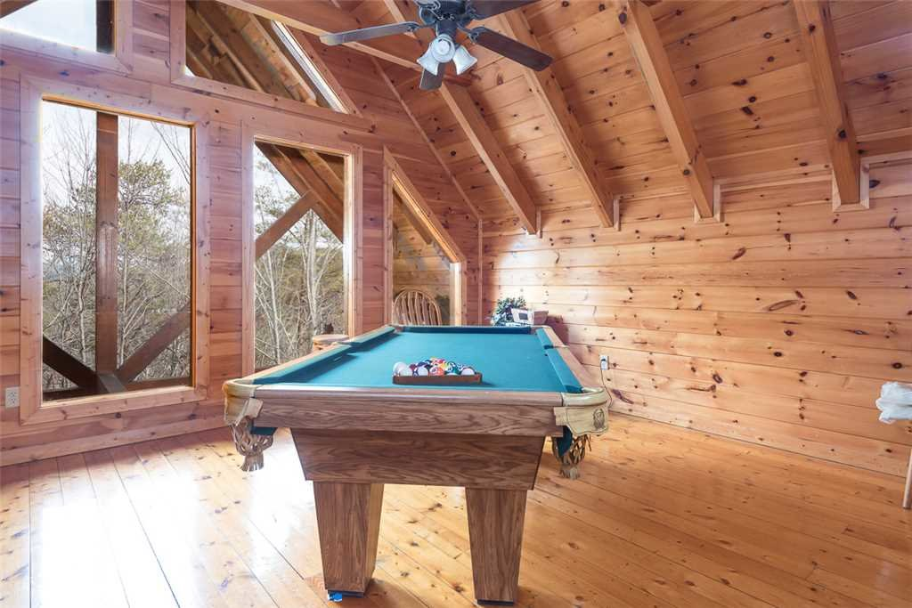 Photo of a Pigeon Forge Cabin named Robin's Rest - This is the tenth photo in the set.