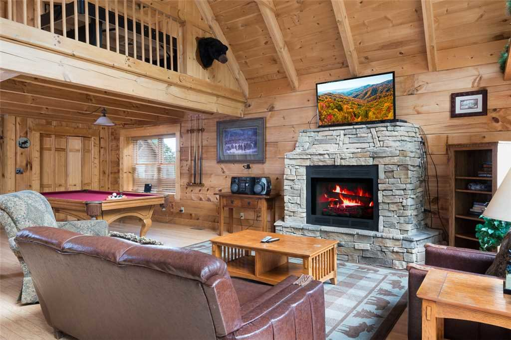 Photo of a Gatlinburg Cabin named Ski Mountain View - This is the second photo in the set.