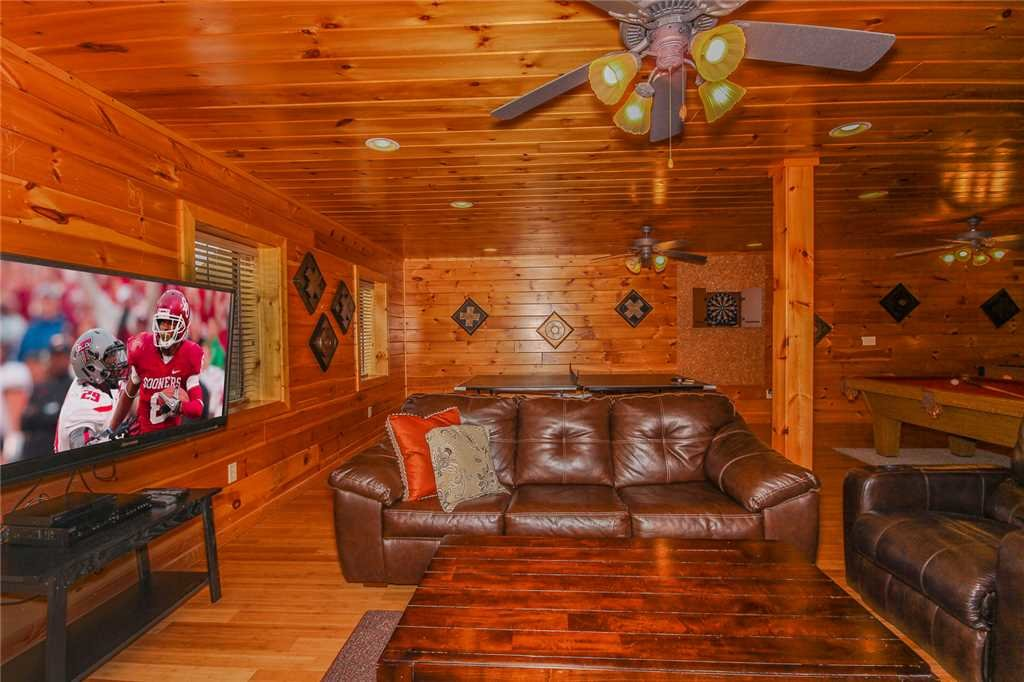 Photo of a Pigeon Forge Cabin named Grand View Lodge - This is the twenty-first photo in the set.