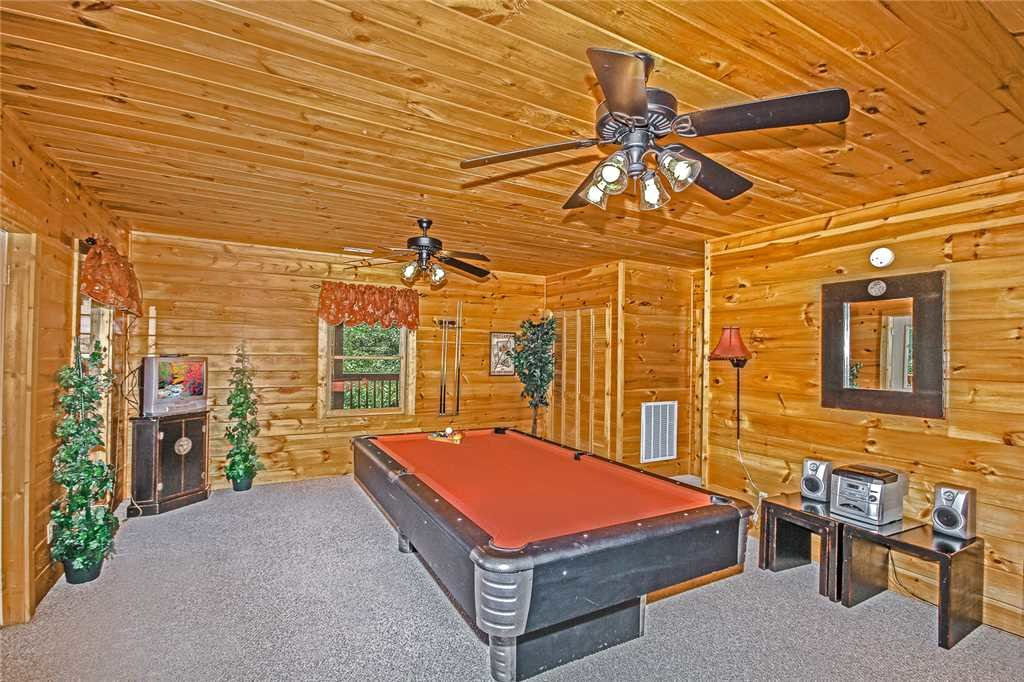 Photo of a Pigeon Forge Cabin named Harrison's Hideout - This is the seventeenth photo in the set.