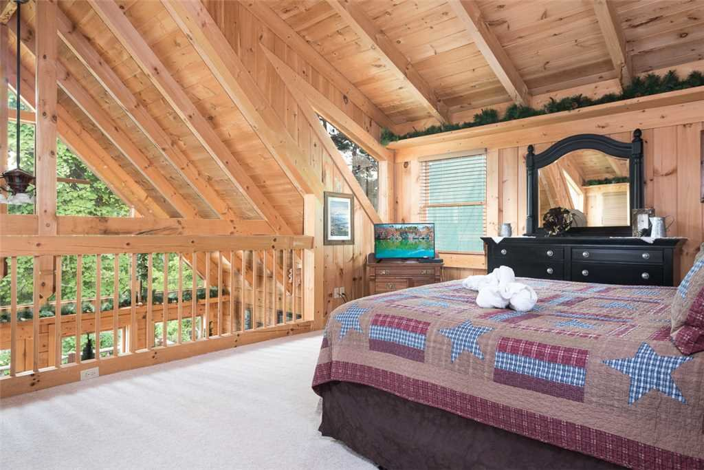 Photo of a Gatlinburg Cabin named Ski Mountain View - This is the eighth photo in the set.