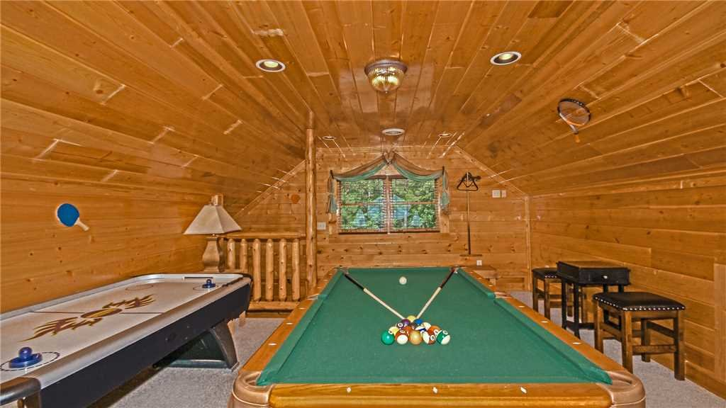 Photo of a Pigeon Forge Cabin named High Expectations - This is the ninth photo in the set.