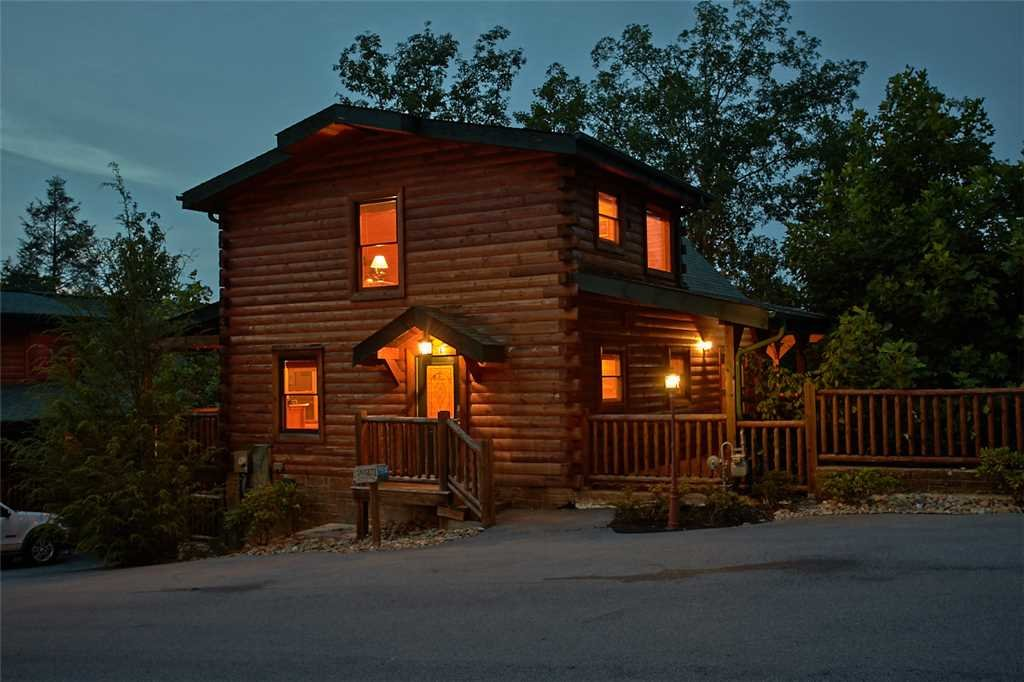 Photo of a Gatlinburg Cabin named Star Gazer At Hemlock Hills - This is the first photo in the set.