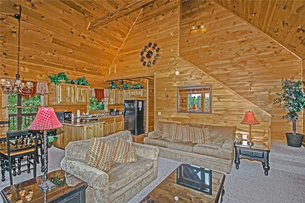 Photo of a Pigeon Forge Cabin named Harrison's Hideout - This is the fifth photo in the set.