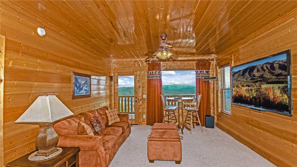 Photo of a Pigeon Forge Cabin named High Expectations - This is the tenth photo in the set.